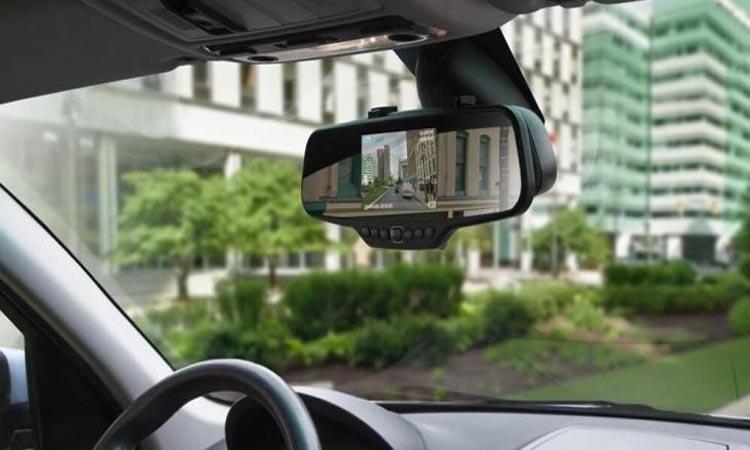 Видеорегистраторы в зеркале заднего обзора